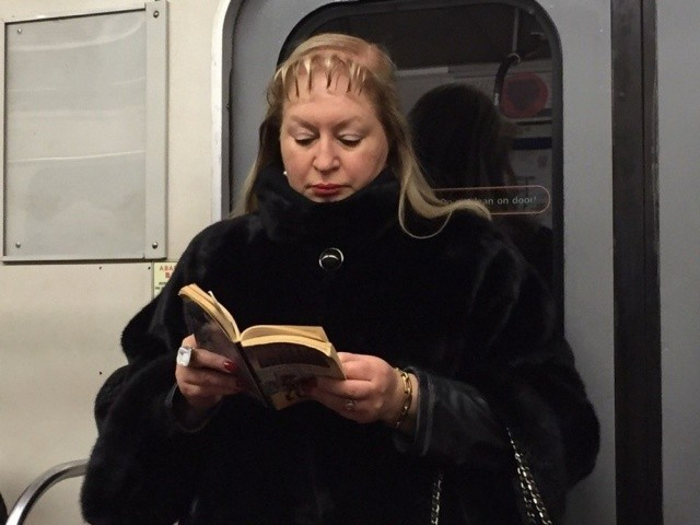 Модники и модницы российского метрополитена (33 фото)