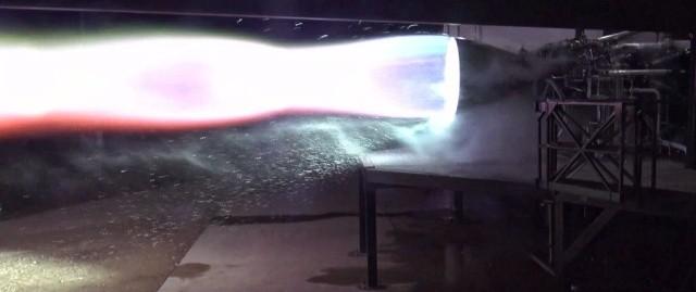 SpaceX испытал работу двигателя Raptor, который будет использоваться для полетов на Марс (4 фото)