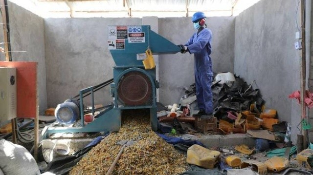 Пластиковые крыши в Сомали (8 фото)