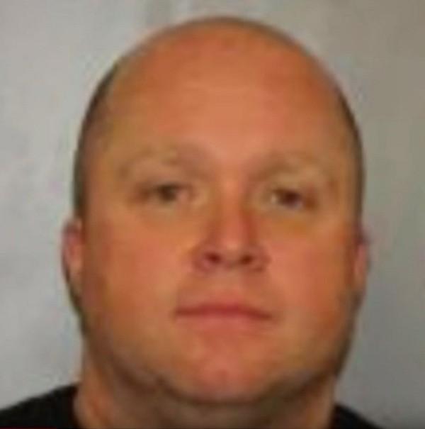 ФБР задержала ветерана пожарной службы Нью-Йорка, который оказался наркоторговцем (5 фото)