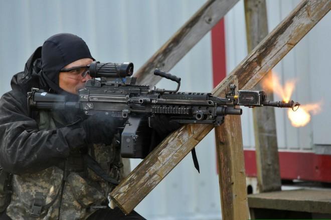 Новейшая винтовка США будет пробивать любой бронежилет (2 фото)