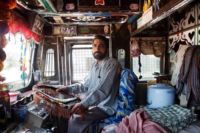 Индийские дальнобойщики (18 фото)