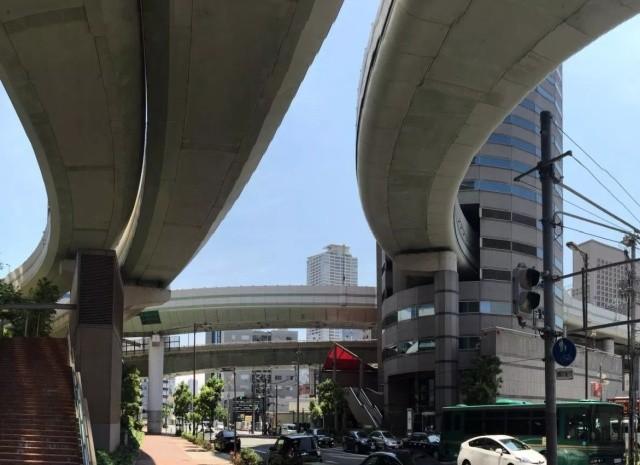 Необычное строение Gate Tower в Японии (10 фото)