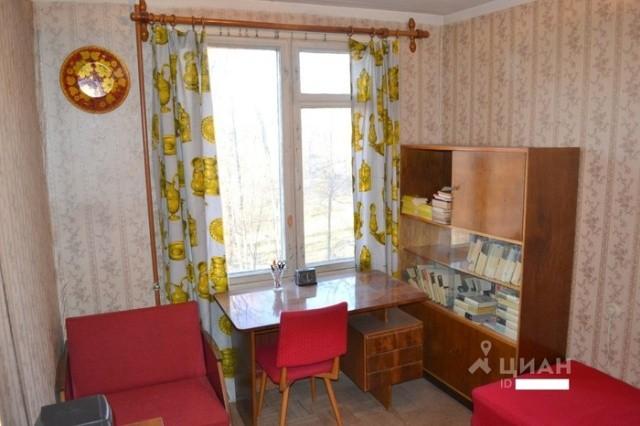 Квартира в которой ничего не изменилось за многие годы (8 фото)