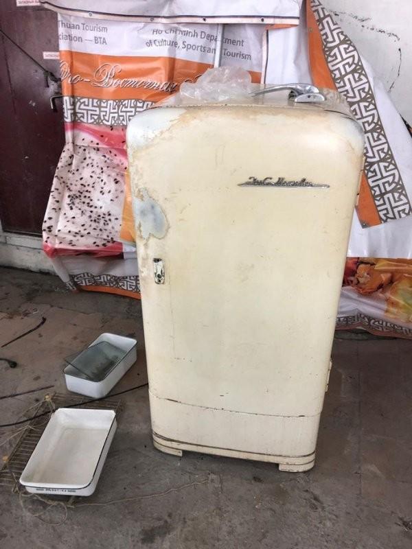 Вторая жизнь старого холодильника Зис Москва (13 фото)