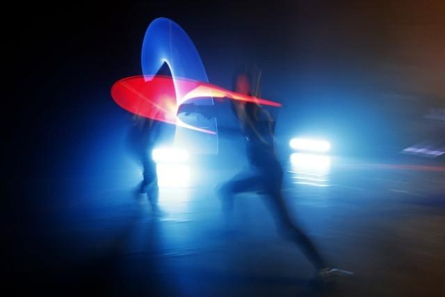 Поединки на световых мечах стали официальным видом спорта (8 фото)