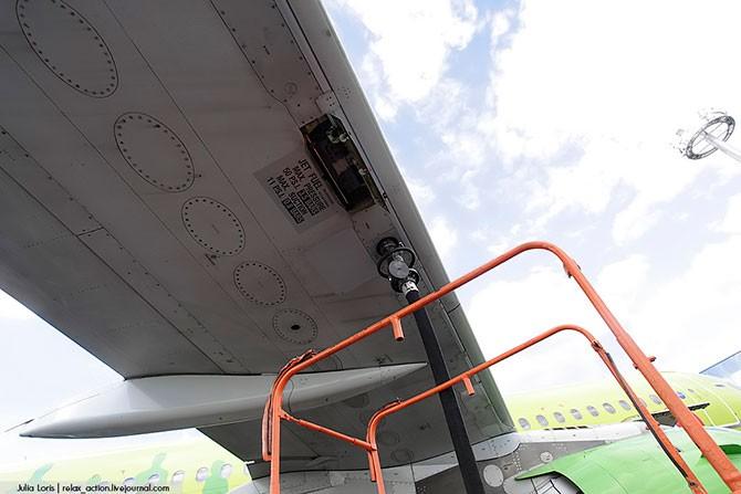 Как заправляют самолеты (29 фото)