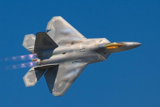 Самые опасные стелс-самолеты мира (3 фото)