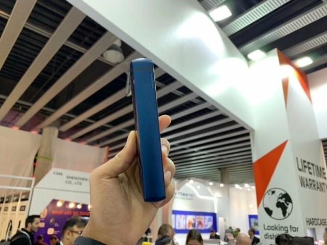 """""""Смартфон-кирпич"""" от Energizer с батареей на 18 000 мАч (6 фото)"""