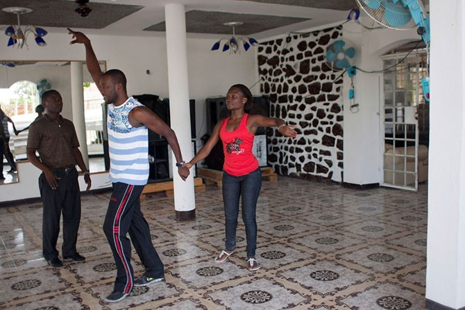 Танцор без ноги (10 фото)