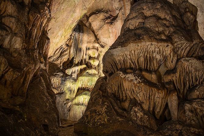 Крупнейшая пещера в Болгарии (23 фото)