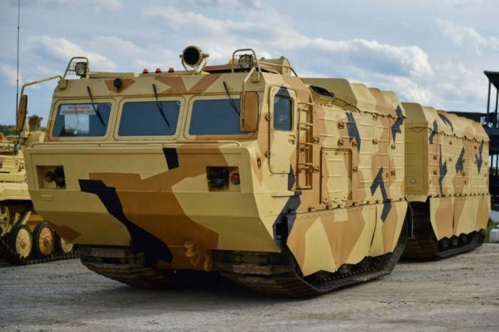 Российский танк-вездеход для езды по Арктике (4 фото)