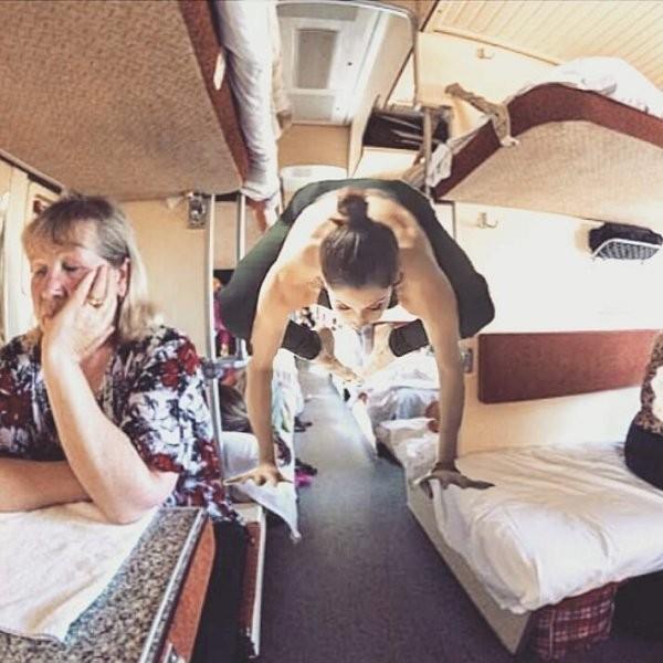 Попутчицы в поездах (19 фото)