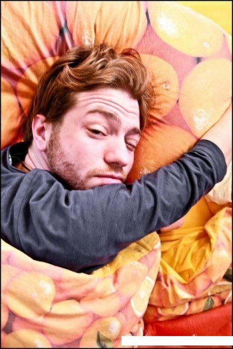 Сонные люди (21 фото)