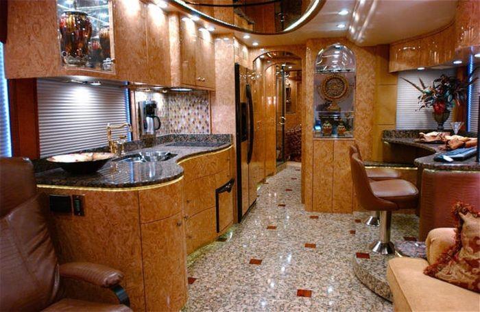 Автобус для путешествий (21 фото)