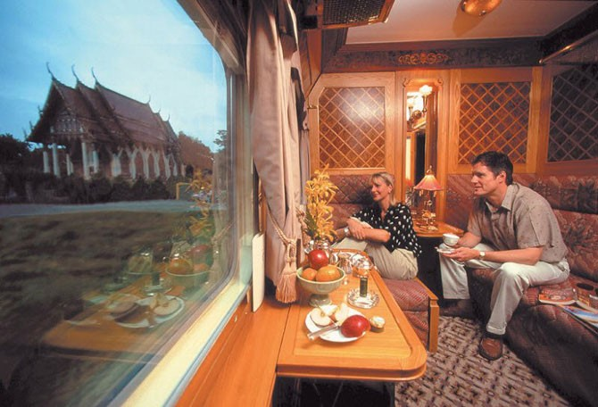 Самый красивый поезд Азии (14 фото)