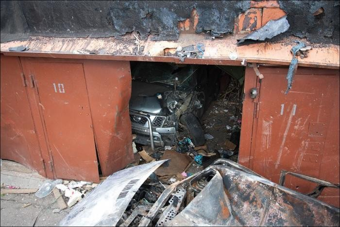 Взрыв метана в гаражах (15 фото)
