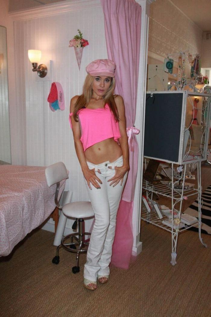 Паула ЛаБаредас - девушка Барби (9 фото)