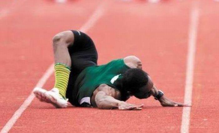 Жёсткое падение на соревнованиях (7 фото)