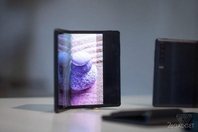 Сгибаемые смартфоны на MWC 2019 представила и TCL (13 фото)