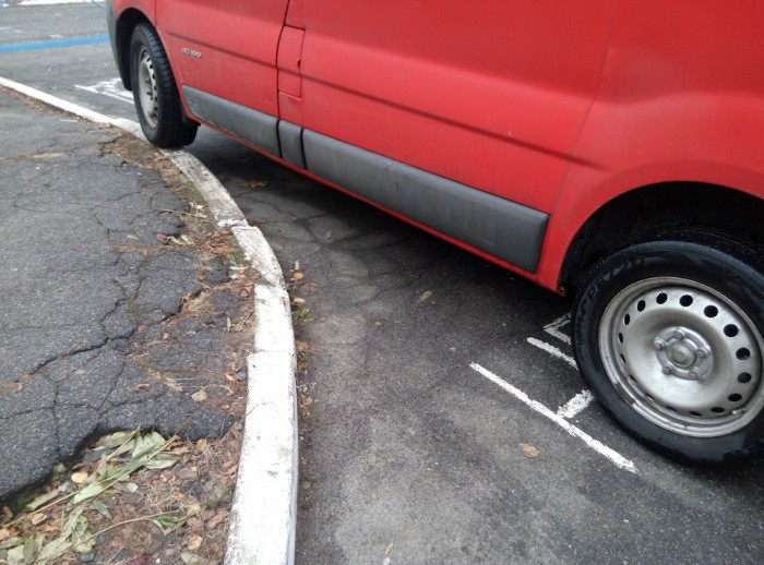 Как остановить автомобиль, если отказали тормоза (6 фото)