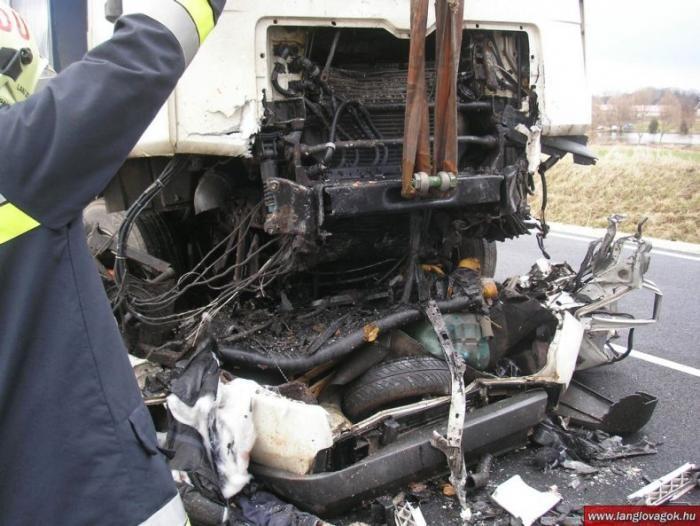 Страшная авария в Венгрии (7 фото)
