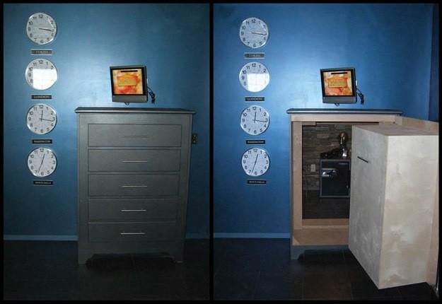 Двери в тайные комнаты (14 фото)