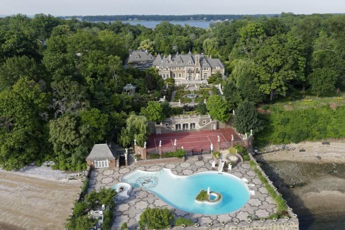Как выглядит дом миллиардера, эмигрировавшего из СССР (19 фото)
