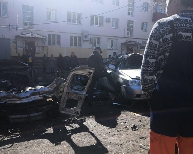 Водитель чудом выжил после взрыва двух кислородных баллонов (3 фото)