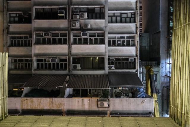 Как выглядит бюджетное жилье в центре Гонконга (29 фото)