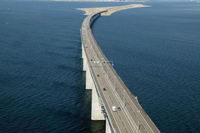 Удивительный мост-тоннель, соединяющий Данию и Швецию (8 фото)
