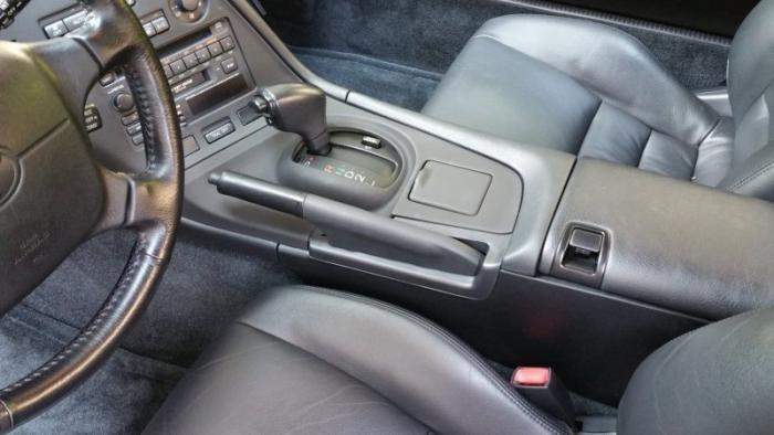 Нетронутая Toyota Supra 1994 с минимальным пробегом (33 фото)