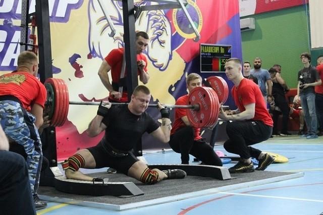 На чемпионате Евразии спортсмен получил жуткую травму (6 фото)