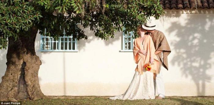 Пара поженилась 22 раза (11 фото)
