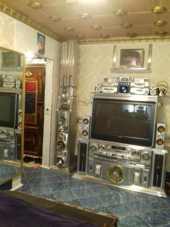 Жильё настоящего металлиста из Красноярска (16 фото)