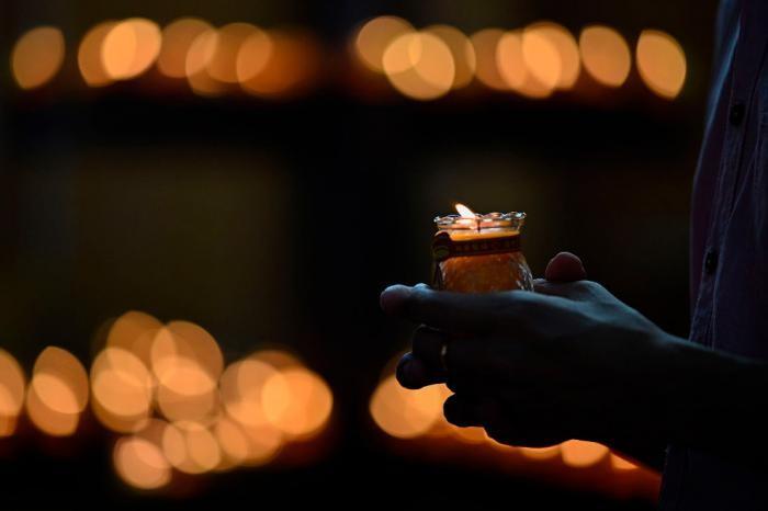 Красочный буддийский праздник (17 фото)