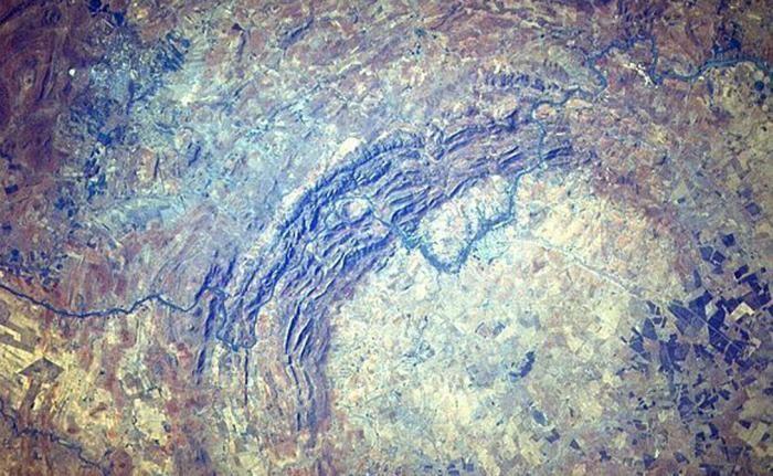 Гигантские кратеры Земли (8 фото)