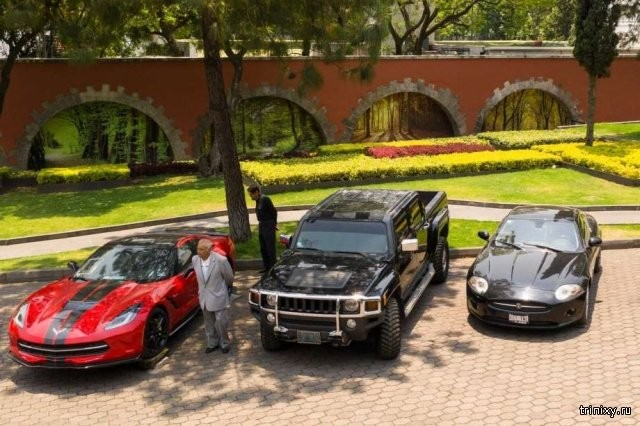 Конфискованные авто мексиканских преступников продадут (12 фото)