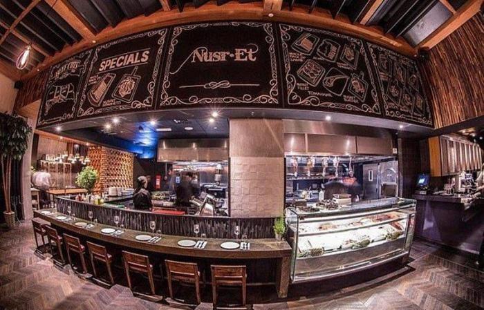 В ресторане известного повара подают позолоченный стейк (4 фото)