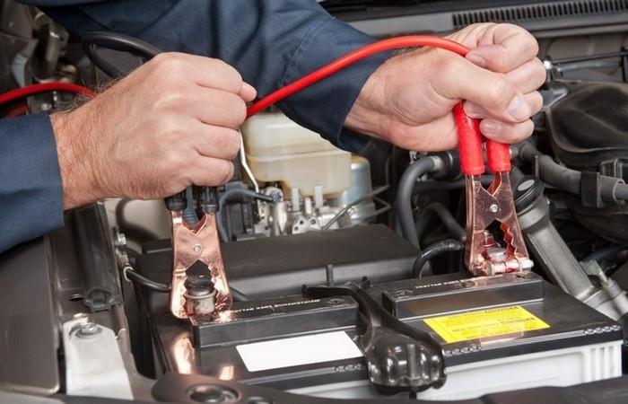 Как оживить севший автомобильный аккумулятор (4 фото)