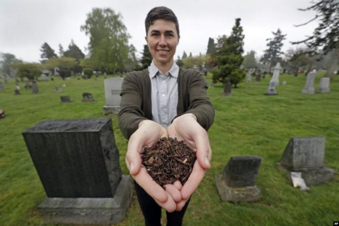 В США разрешили человеческие останки использовать как удобрение (4 фото)
