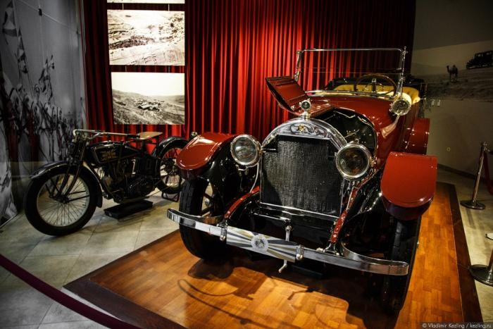 Королевский автомобильный музей в Иордании (28 фото)