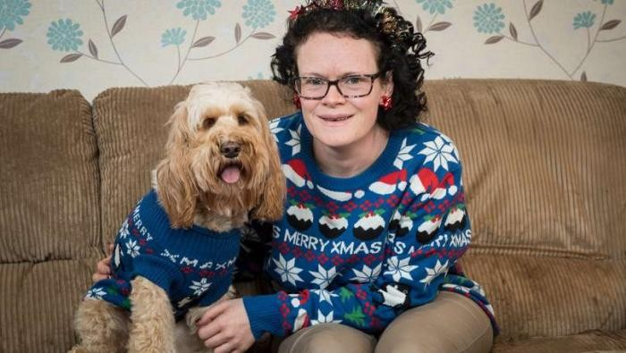 Британка любит собаку больше сына (10 фото)