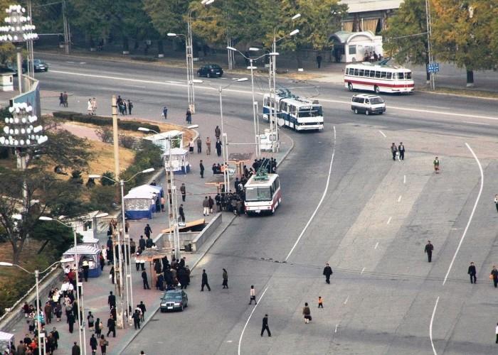 Табу и запреты в Северной Корее (10 фото)