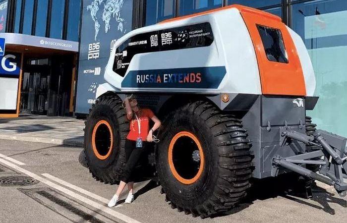 Российская компания создала вездеход, без водителя (4 фото)