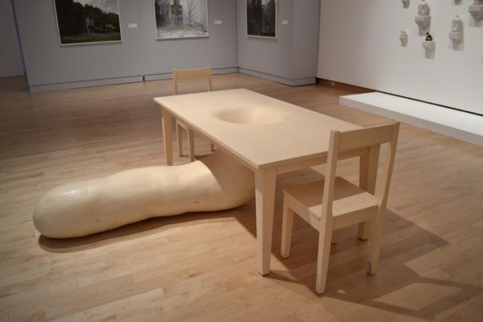 Необычные дизайнерские столы (20 фото)