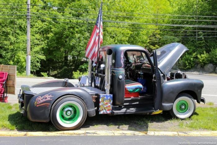 Небольшое деревенское автошоу в окрестностях Нью-Йорка (23 фото)