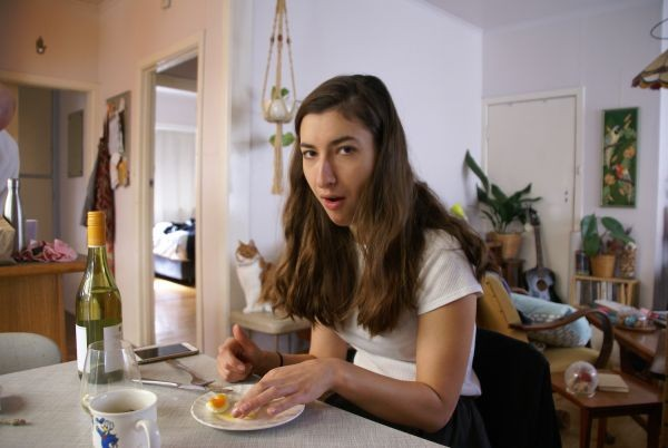 Австралийка сидела на диете из вина и вареных яиц (7 фото)
