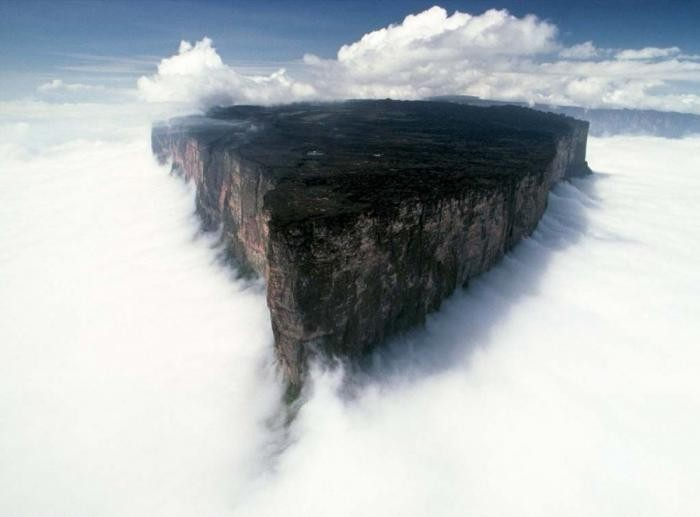 Плосковершинная гора Рорайма (18 фото)