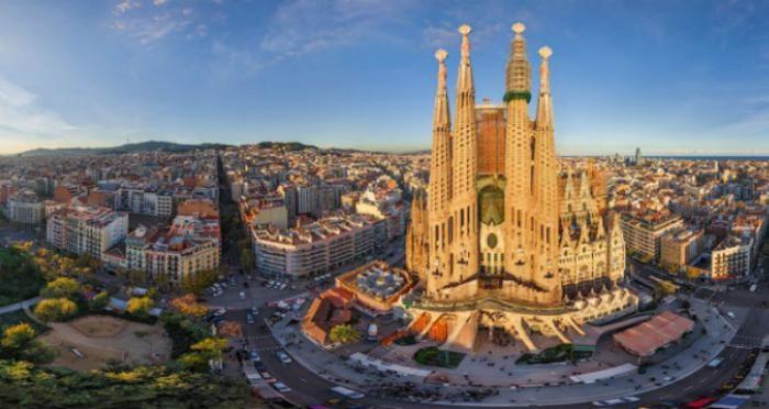 Чего лучше не делать в Барселоне (10 фото)